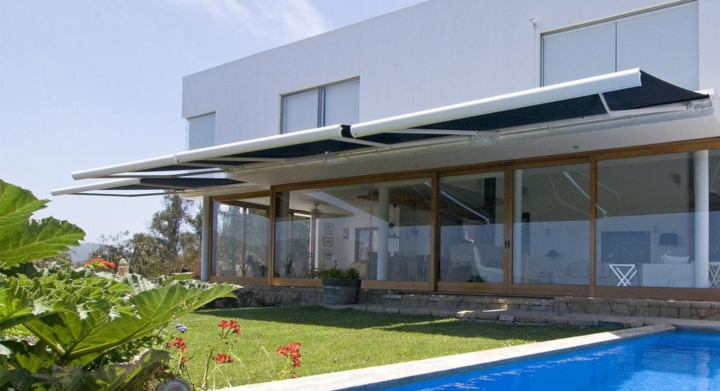 Consejos para elegir el mejor color de toldo para tu casa o empresa