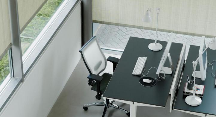 ¿Qué considerar al elegir las cortinas o persianas para tu oficina?