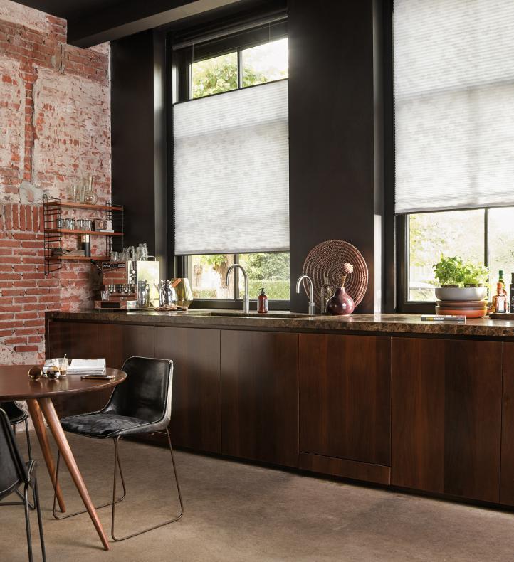 Novedosos modelos de cortinas para decorar la cocina