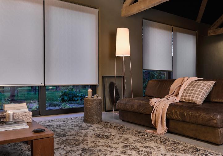 Persianas vs. Cortinas Roller: ¿cuál alternativa es mejor para tu hogar?