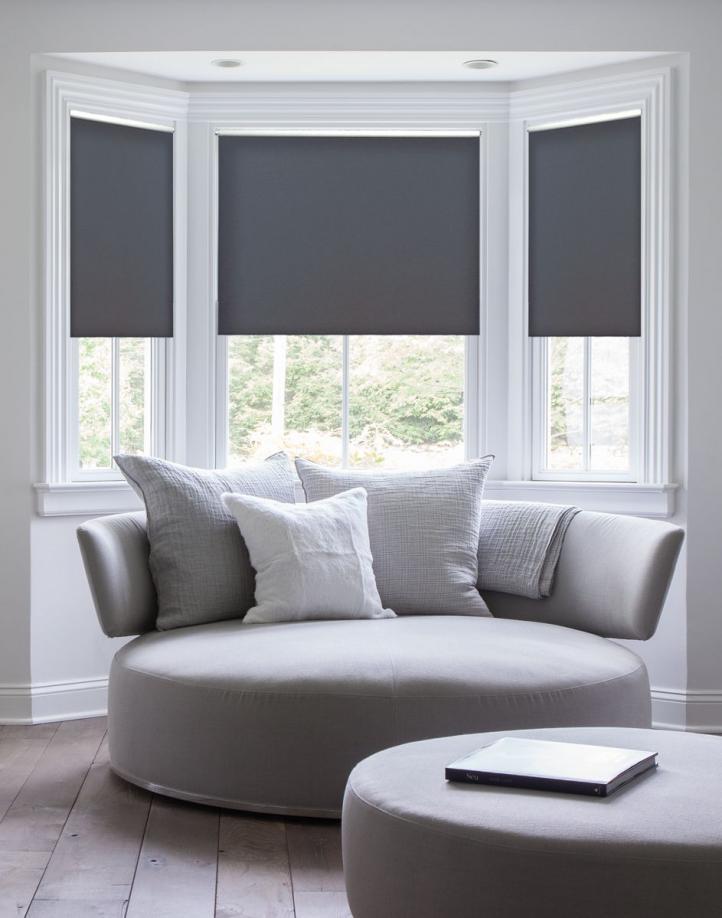 Estilo sofisticado para la sala de estar: iluminación, muebles y accesorios