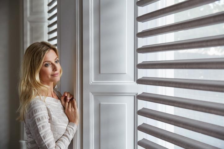 Modelos de cortinas y persianas para una decoración exitosa