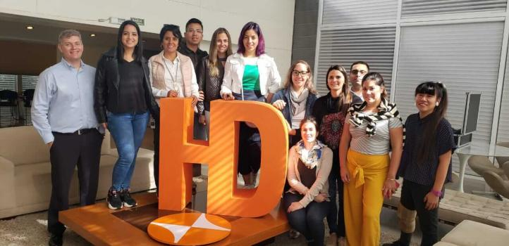 Reconocidos diseñadores y arquitectos visitan la planta de Hunter Douglas Brasil